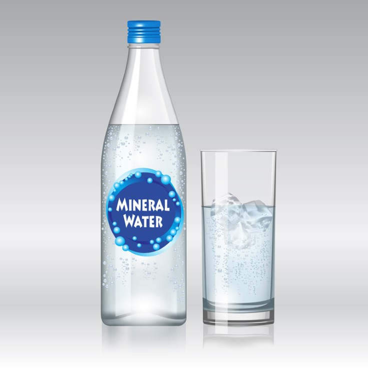 agua alcalina y agua mineral