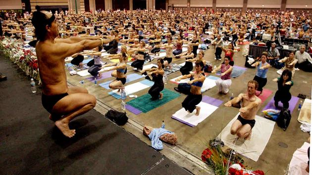 estilos de yoga Bikram Choudhury