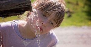 agua embotellada no sostenible